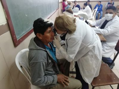 Bolivian Families without Access to Health Services
